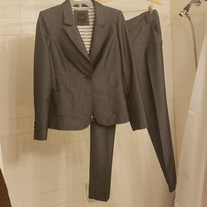 The Limited suit